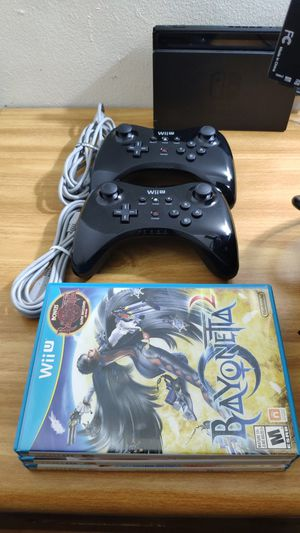 x2 Wii U pro controller + x3 games for Sale in The Bronx, NY