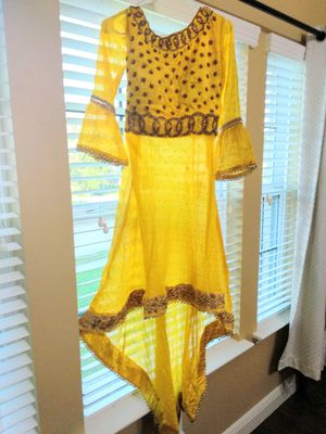 Royal yellow Shararha dress for Sale in Tomball, TX