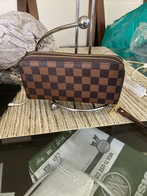 Wallets for Sale in Alexandria, VA