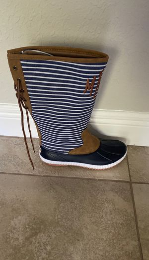 Marleylilly monogrammed rain boots for Sale in Brooklyn Park, MN