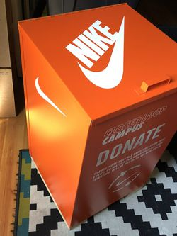 Nike World Headquarters Limited Rare Shoe Box for Sale in Happy Valley,  OR