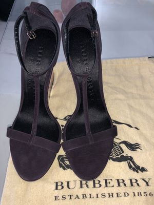 Authentic Burberry Prorsum Purple Suede Leyburn Lucite Wedge Sandals for Sale in Miami, FL