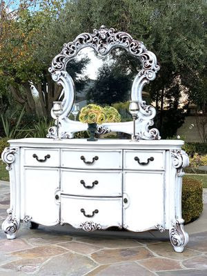 Beautiful Dresser / Buffet for Sale in Chino, CA
