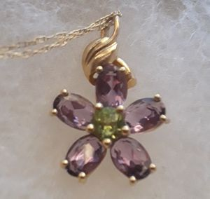 10K Real Gold Amethyst Flower with Peridot Center Necklace 20 inches for Sale in Stanton, CA