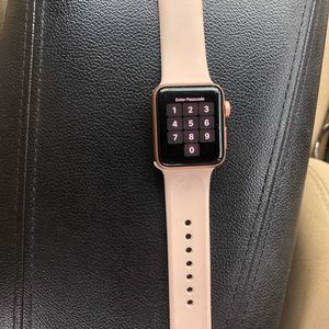 Apple Watch Series 3 GPS 38mm With Accessories for Sale in Downey, CA