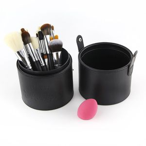 33 pcs brush set + beauty blender and container for Sale in Los Angeles, CA