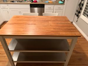 Kitchen island table and 2 chairs for Sale in Chula Vista, CA