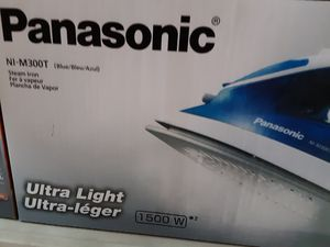 Panasonic 1500 watts steam iron ultra light ultra lager new for Sale in South Gate, CA