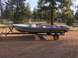 14 ft aluminum fishing boat for Sale in Queen Creek, AZ