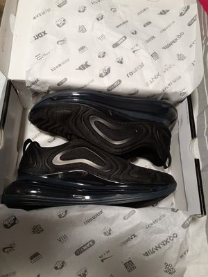 Nike air Max 720 all black size 10 5 for Sale in Kissimmee, FL