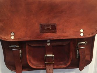 Rich Leather Messenger Bag for Sale in Accokeek,  MD