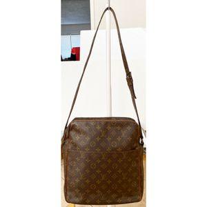 Authentic Louis Vuitton Monogram Marceau Crossbody Shoulder Bag for Sale in West Covina, CA