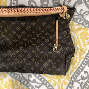 Large Louis Vuitton Artsy GM Bag for Sale in Houston, TX