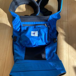 Ergobaby Carrier (hold upto 45lbs) for Sale in Needham, MA