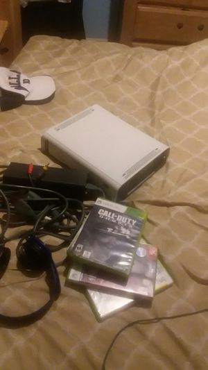 xbox360 with games and headphones for Sale in Charlotte, NC