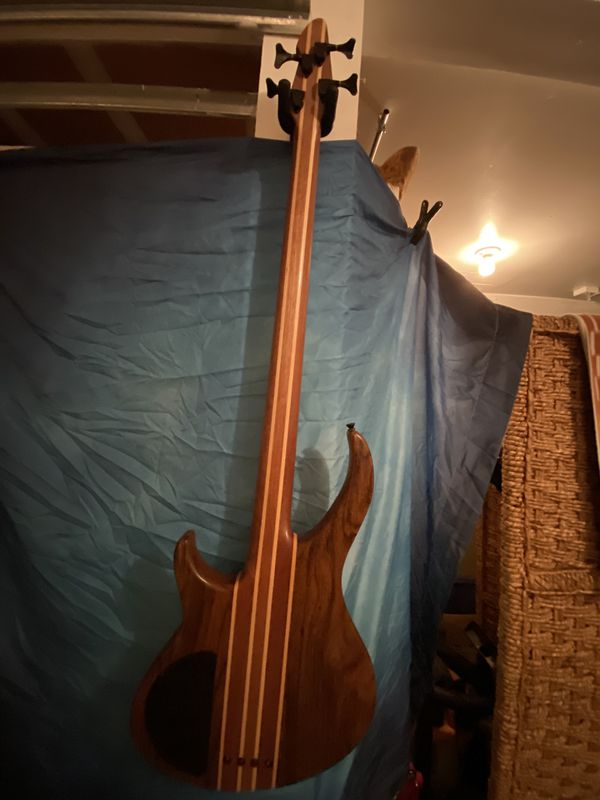 Pevey Grind NTB Bass Guitar