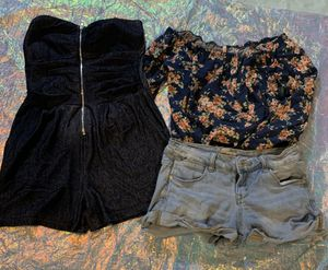 Women size small $10 for Sale in Fresno, CA