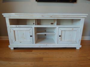 White Rustic Solid Wood TV Stand for Sale in Chicago, IL