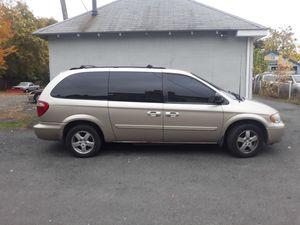 2005 Dodge Grand Caravan SXT 3.8l for Sale in Hartford, CT