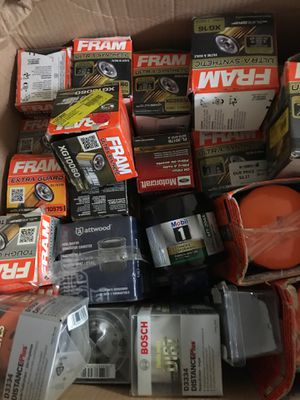 Oil filter/air filter/Windshield wipers/ nat for Sale in Rialto, CA
