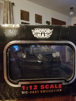 1:12 scale Die Cast Car Mercedes-Benz SLR yMcLaren by Motor Max for Sale in Hannibal, MO