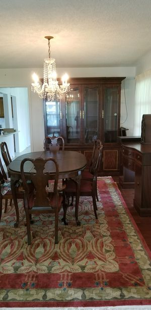 12 piece Thomasville Mahogany contemporary traditional dining room set with rug for Sale in Orlando, FL