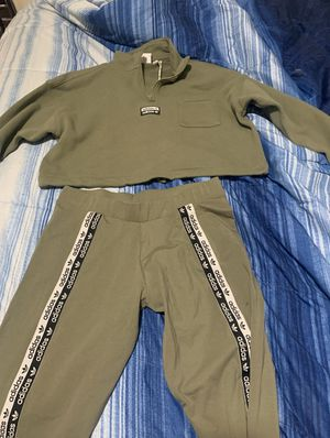 Brand new adidas outfit size medium for Sale in Los Angeles, CA