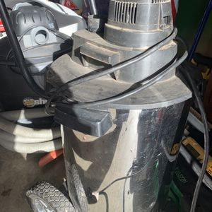 Vacuum Good Condition for Sale in Wilsonville, OR