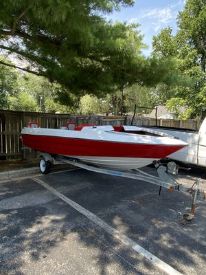 Bayliner boat 1988 ( just renovated) for Sale in Frederick, MD