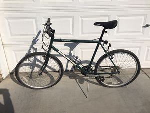 Sorrento Diamondback Sport Mountain Bike like new!!! for Sale in Fresno, CA