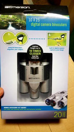 EMERSON 10 x 25 digital Camera Binoculars for Sale in Scranton, PA