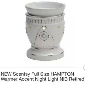 Scentsy Hampton Warmer for Sale in Norco, CA