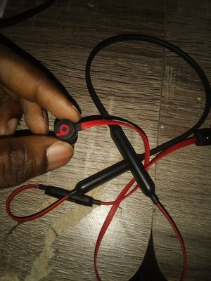 Wireless beats x bluetooth conectet for Sale in Portland, OR