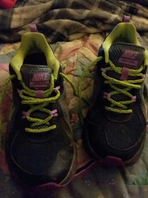 Womens Nike tennis shoes for Sale in Ashland City, TN