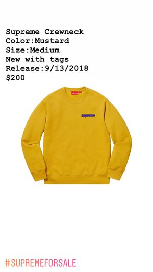 Supreme Crewneck size Medium new with tags for Sale in Phoenix, AZ