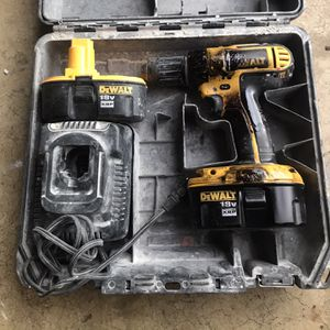 Dewalt 18v cordless drill driver and charger for Sale in Oxon Hill, MD