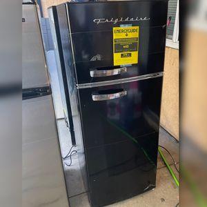 Frigidaire Retro Refrigerator(READ DESCRIPTION for Sale in Rialto, CA