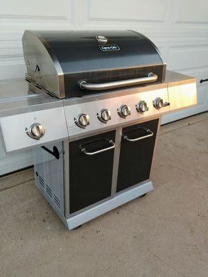 Dyna-Glo 5 burner BBQ Grill for Sale in Phoenix, AZ