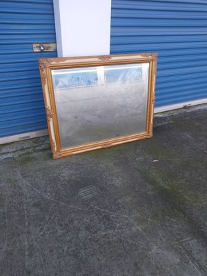 An amazing Condition Beautiful Mirror😍....Really beautiful😍😍😍..H..37..w.47 for Sale in Modesto, CA