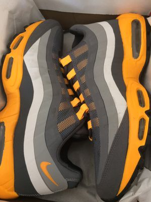 Nike AIRMAX 95 size 11 for Sale in Wesley Chapel, FL