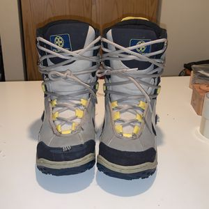 Dukes Snowboard Boots for Sale in Edmonds, WA