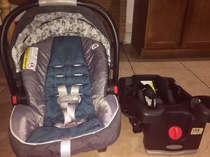 Graco baby car seat silla de carro for Sale in Miami, FL