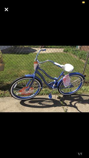 Huffy cruiser bike 24 inches for Sale in Garden City, MI