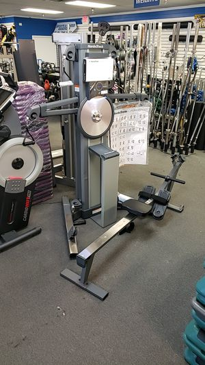 Nordictrack cst fusion with rower attachment! Like new! for Sale in Phoenix, AZ