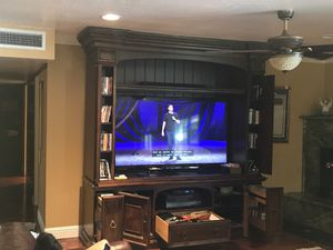 Oak Wood with cherry finish TV unit Set with MATCHING bookshelves x2 for Sale in Bakersfield, CA