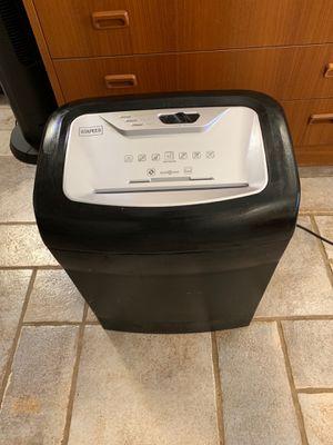 staples 10 sheet shredder for Sale in Phoenix, AZ