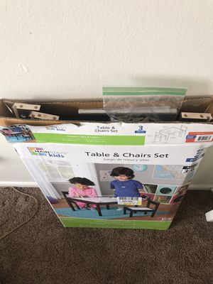 Kids table and chair set for Sale in St. Louis, MO