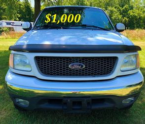 🟢💲1,OOO I'm selling URGENTLY this Beautiful💚2OO2 Ford F15O nice Family truck XLT Everything is working great! Runs great and fun to drive💪🟢 for Sale in New York,  NY