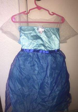 Girls play Elsa dress size 4/6 for Sale in Chino, CA