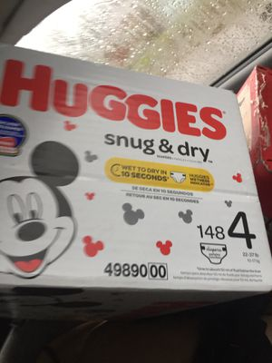 Huggies snug and dry size 4 148 count for Sale in Tacoma, WA